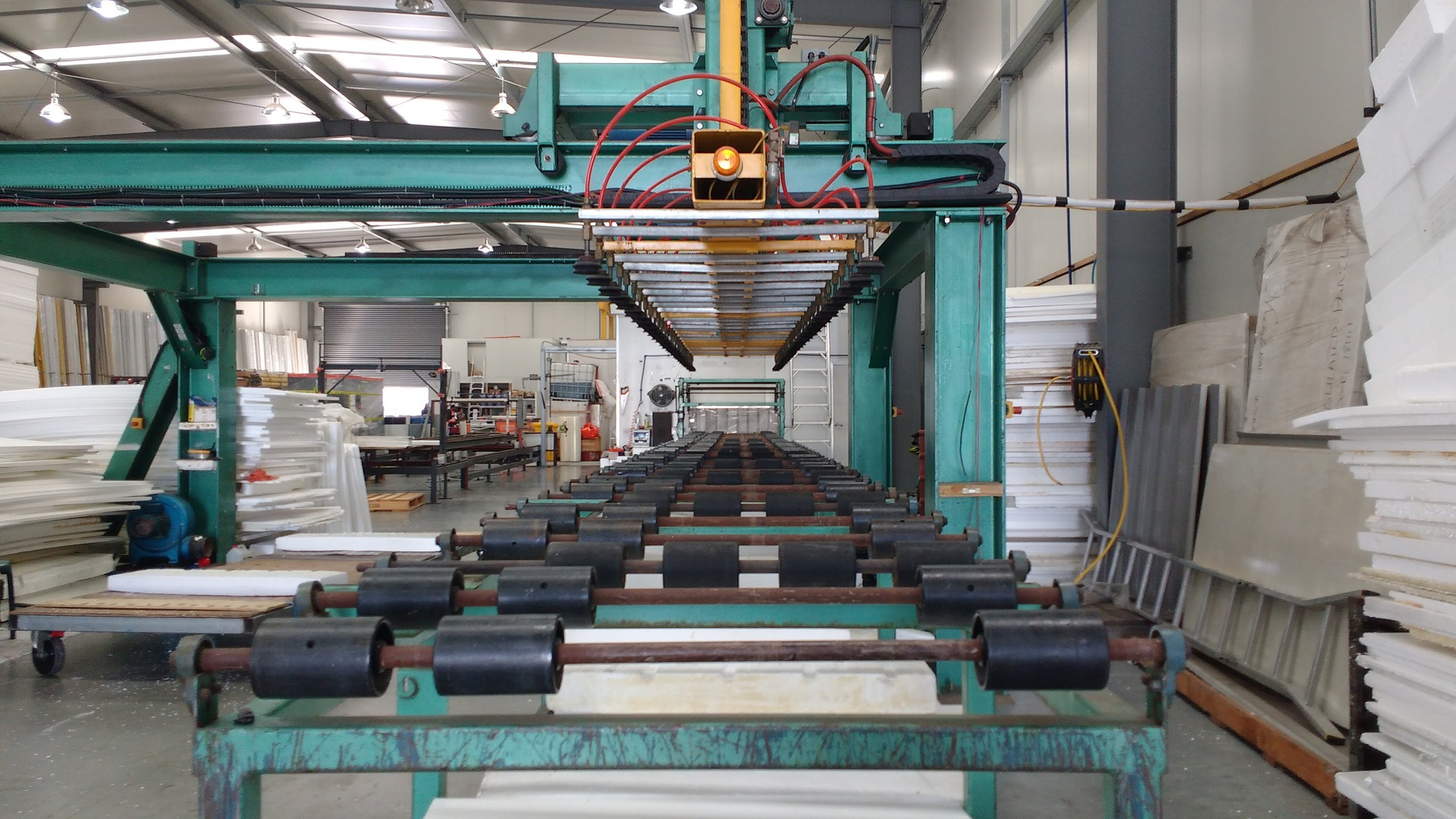 factory-1516381_1920